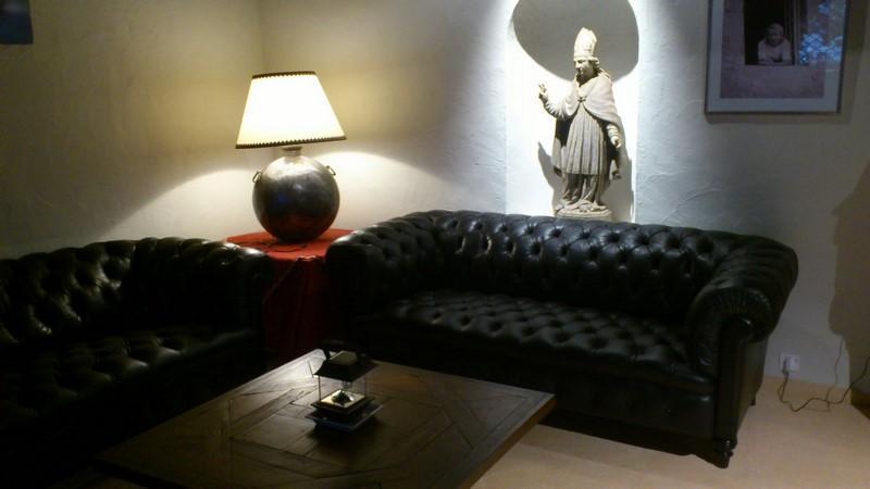 ateliers franck guyot lyon tenture murale lyon tapissier. Black Bedroom Furniture Sets. Home Design Ideas